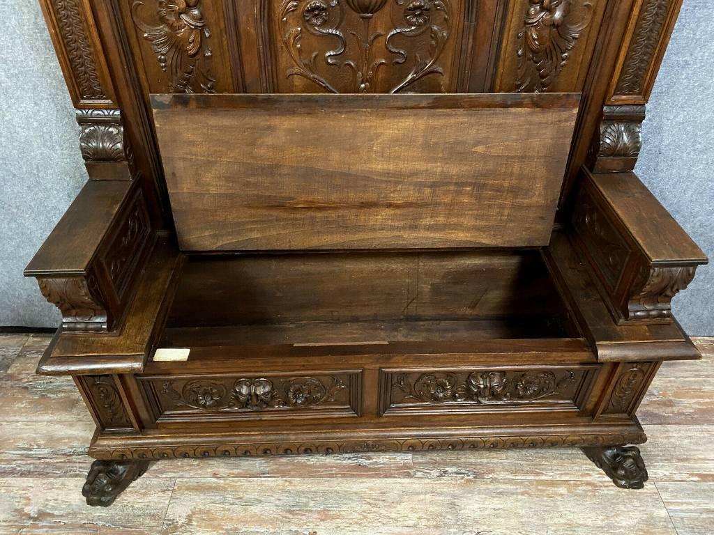 banc coffre Renaissance en noyer massif vers 1850   Puces Privées