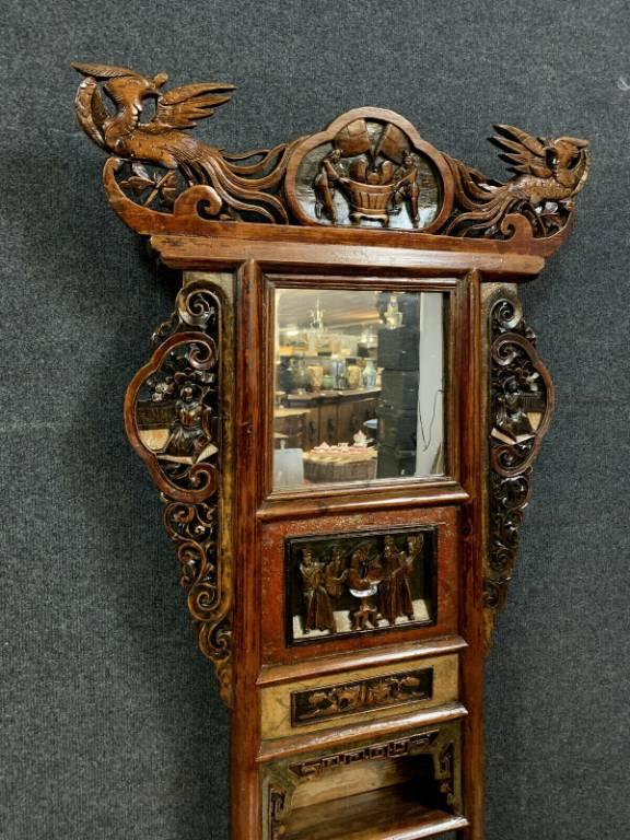 Chine fin XIXeme  meuble d'apparat en bois laqué et polychromie | Puces Privées