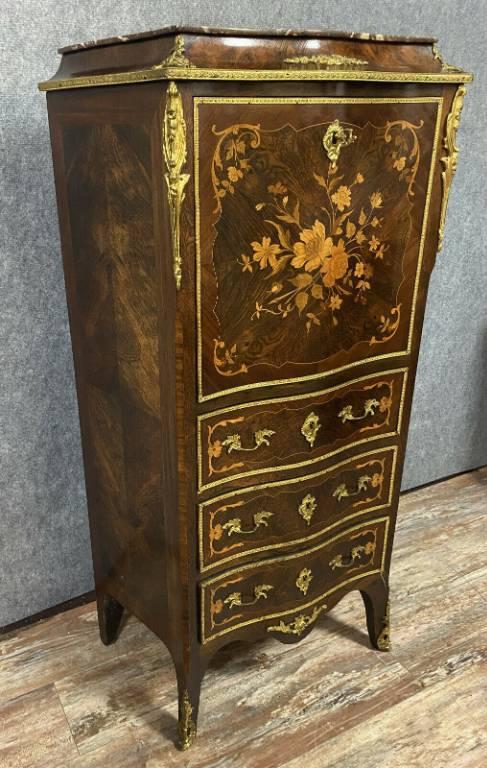 Magnifique secrétaire galbé époque Napoléon III en marqueterie de bois précieux vers 1850 | Puces Privées