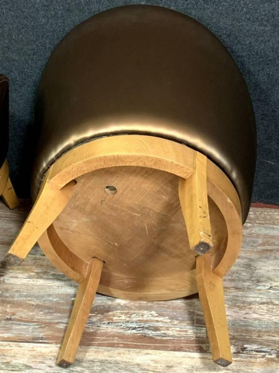 Paire de fauteuils Art Deco de type tonneau en sycomore a assises circulaires. | Puces Privées
