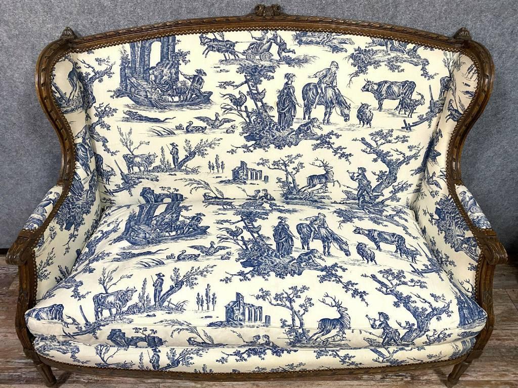 Rare banquette Parisienne de caquetoire Louis XVI en noyer vers 1850. | Puces Privées