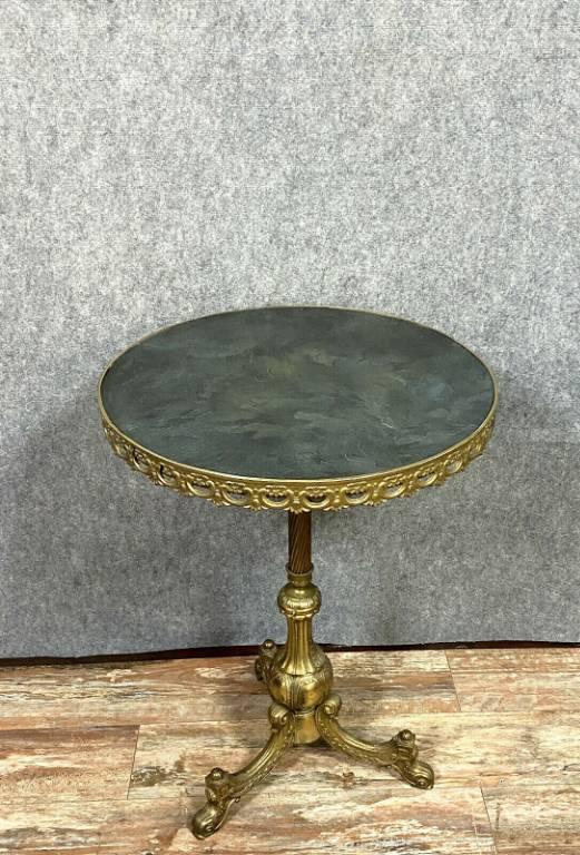 Superbe guéridon Empire en bronze et laiton doré a ceinture ajourée vers 1900 | Puces Privées