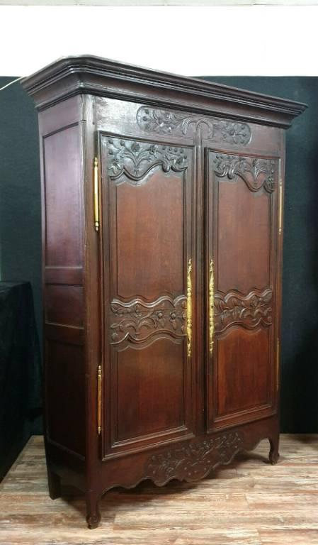 Superbe armoire de Mariage Normande époque Louis XV en chêne patiné | Puces Privées