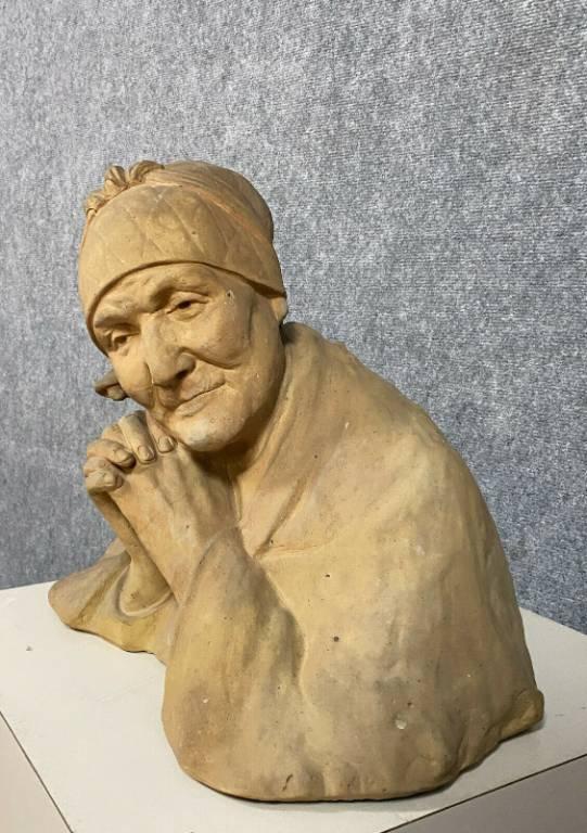 Berthe GIRARDET (1867-1940) Buste de vieille femme au fichu Terre cuite patinée   Puces Privées