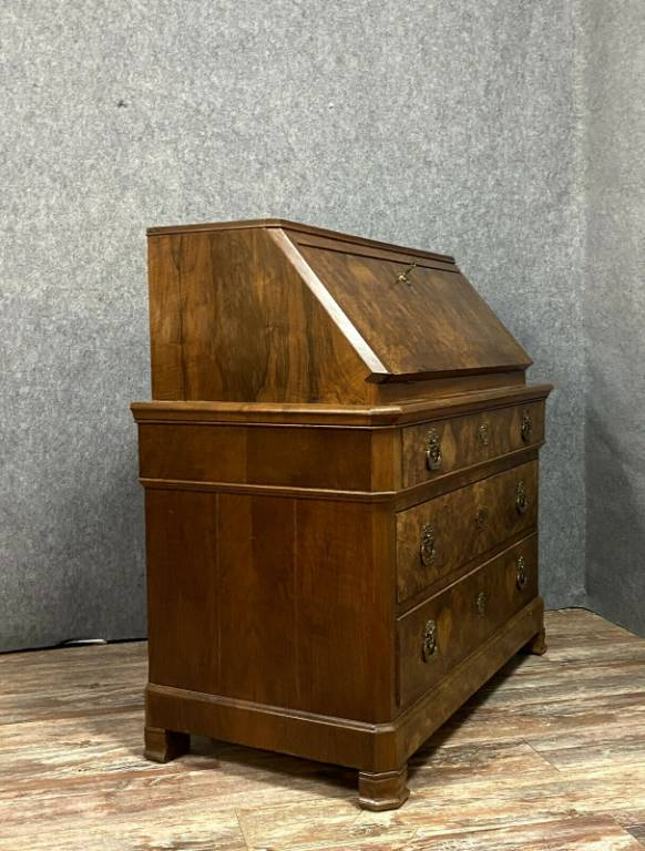 Magnifique commode scriban époque Louis Philippe en ronce de noyer vers 1830   Puces Privées