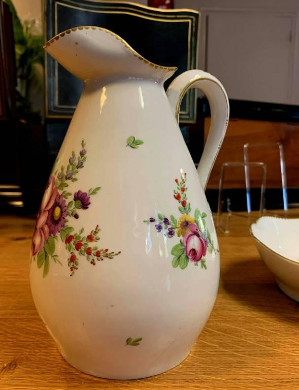 Exceptionnelle aiguière et son bassin en porcelaine allemande époque 18eme siécle   Puces Privées
