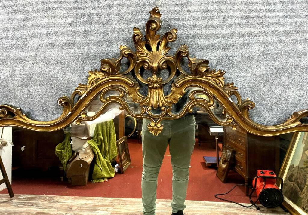 Très grand miroir Louis XV Rocaille en bois a patine dorée vers 1900-1920 | Puces Privées