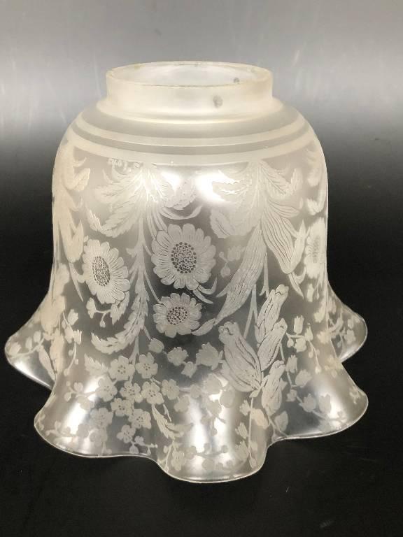 ANCIENNE TULIPE LAMPE A PETROLE CRISTAL SAINT LOUIS DECOR FLORAL SIGNÉ #1 | Puces Privées