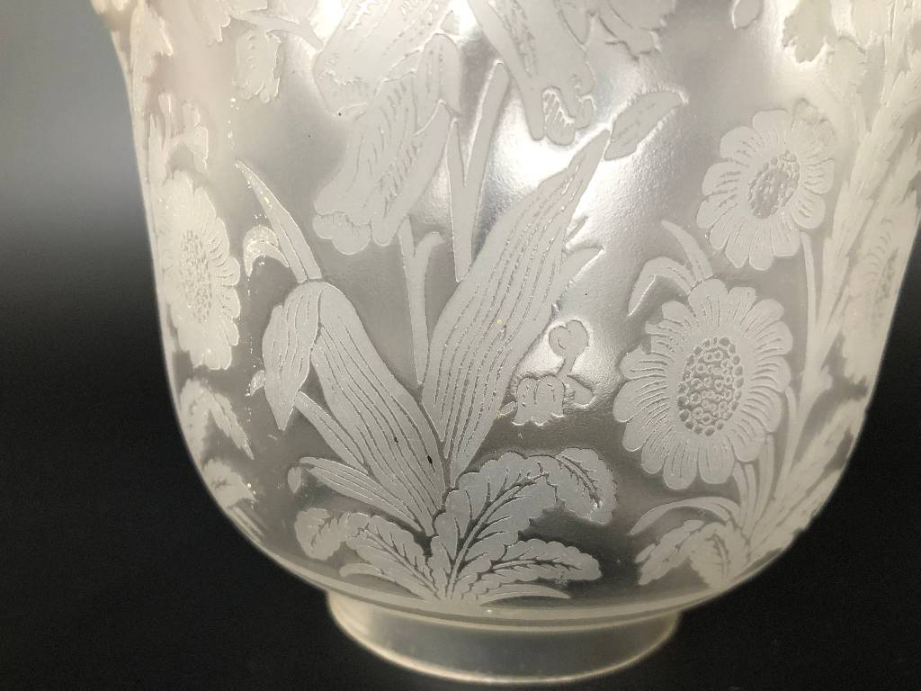 ANCIENNE TULIPE LAMPE A PETROLE CRISTAL SAINT LOUIS DECOR FLORAL SIGNÉ #2 | Puces Privées