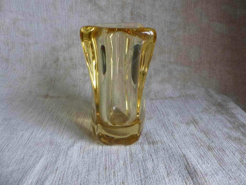 No - 439 -    Vase en cristal signé Daum France   Puces Privées