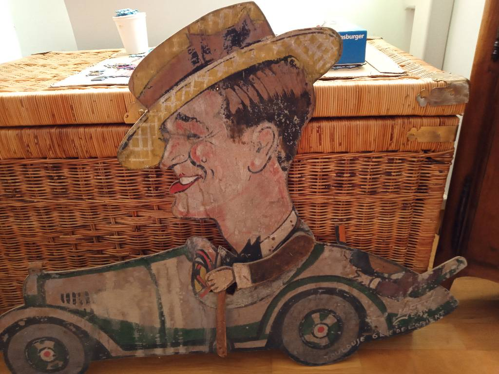 Maurice Chevalier découpe en bois pour cinéma   Puces Privées