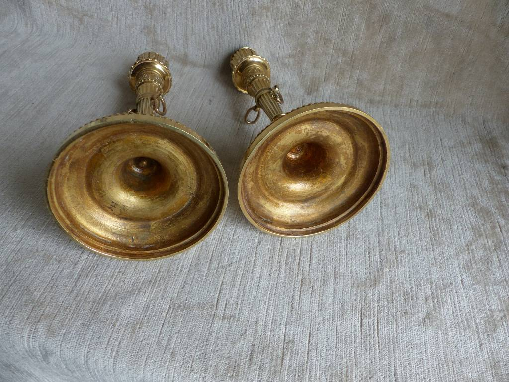 No - 443 - Paire de bougeoirs en bronze doré aux carquois   Puces Privées