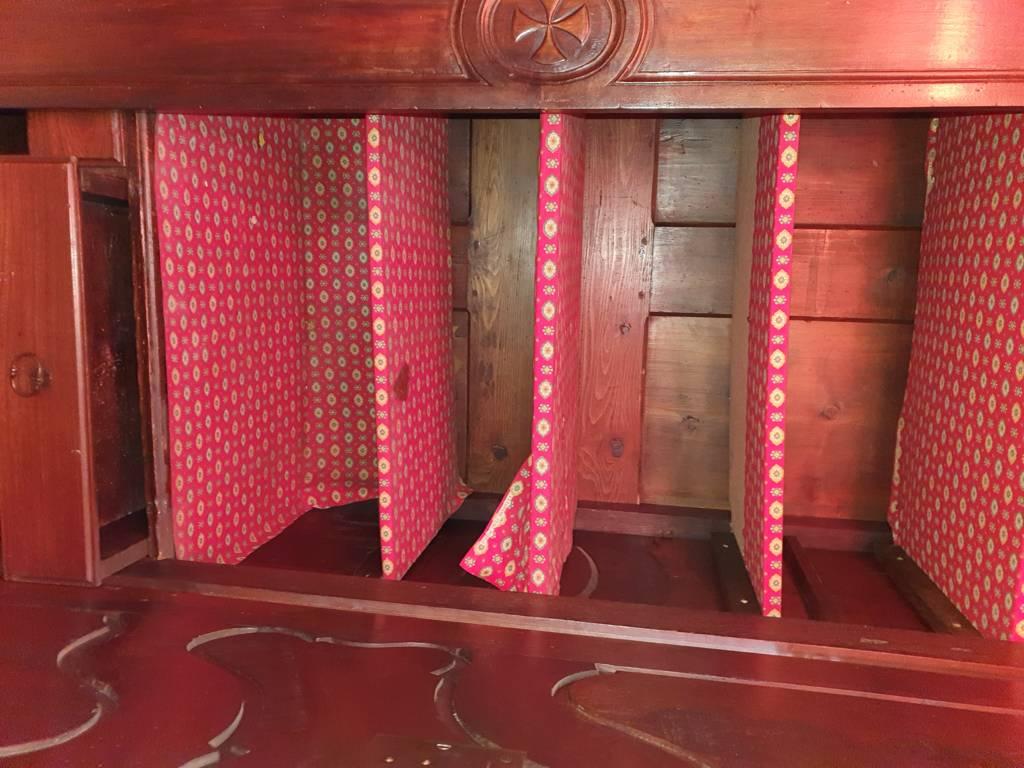 Armoire bretonne de mariage sculptée | Puces Privées