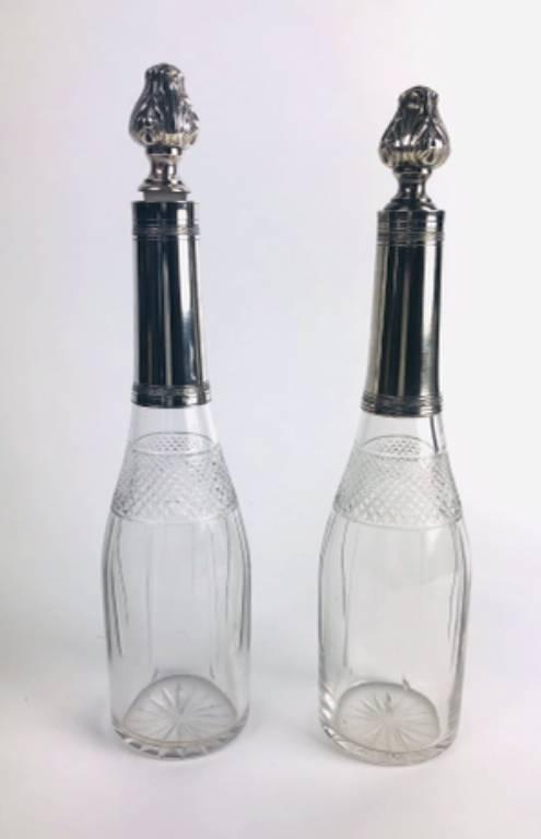 Service à liqueurs 1920 en métal argenté et cristal , 2 carafes et 12 godets coniques sur plateau | Puces Privées