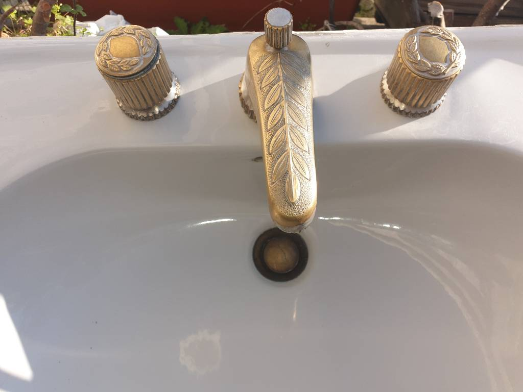 Vasque de salle de bain   Puces Privées