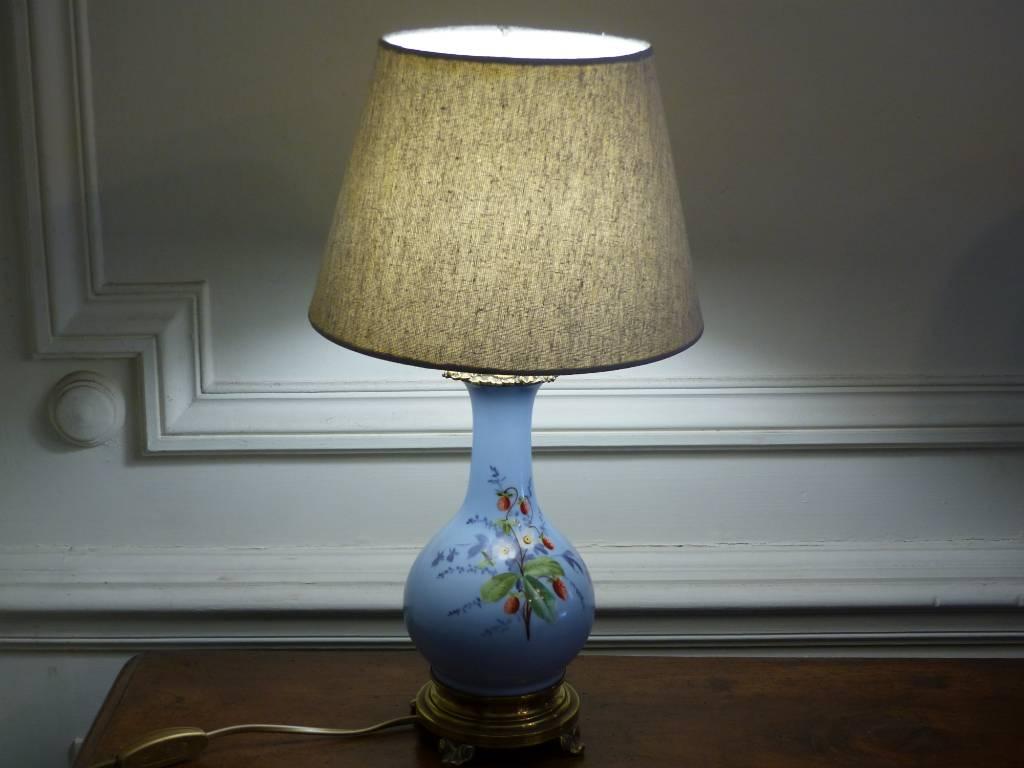 No - 453 - Paire de lampes en porcelaine ,laiton et bronze  époque XIX ème siècle | Puces Privées