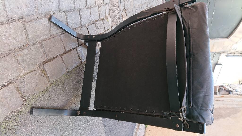 Fauteuil Siesta cuir noir, Ingmar Relling, bon état vintage   Puces Privées
