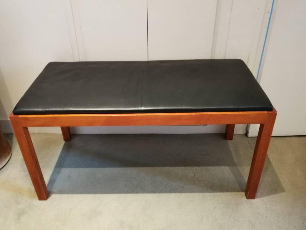 Banc en bois avec assise en cuir | Puces Privées