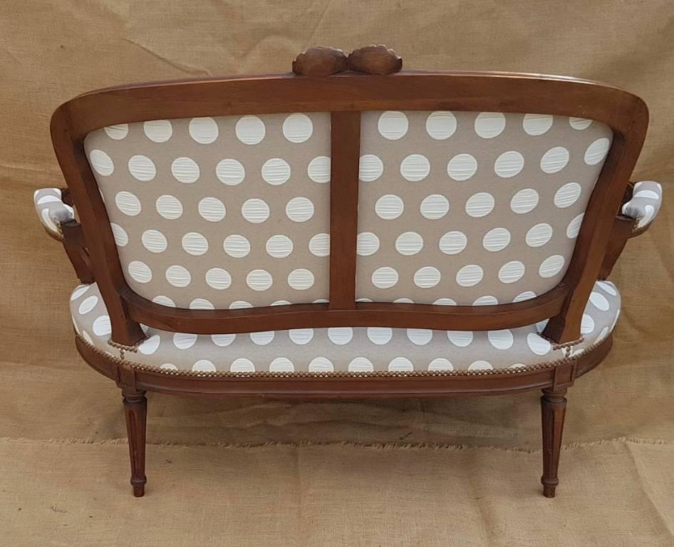 Canapé de style Louis XVI | Puces Privées