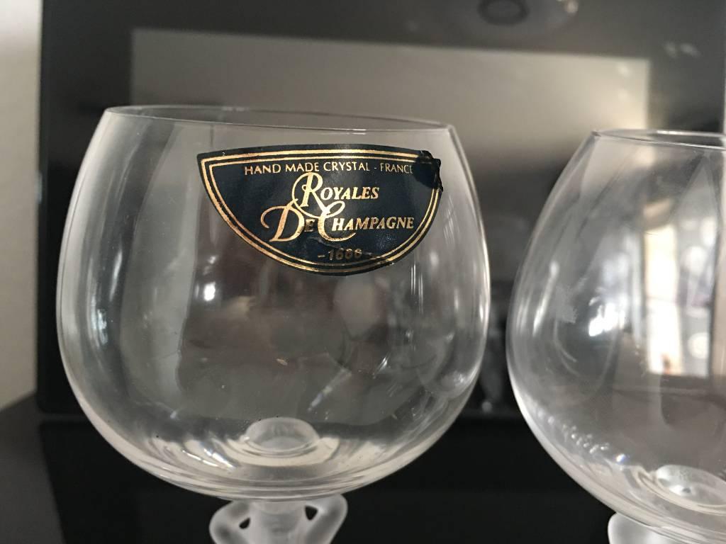 verre a vin en cristal   Puces Privées
