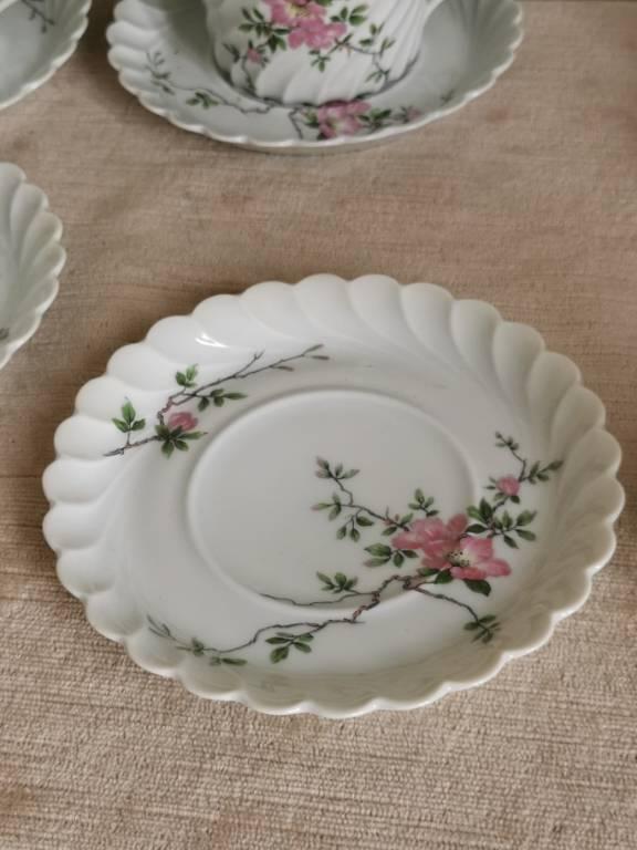 No - 466 - Douze tasses et sous tasses en porcelaine Haviland Limoges France | Puces Privées