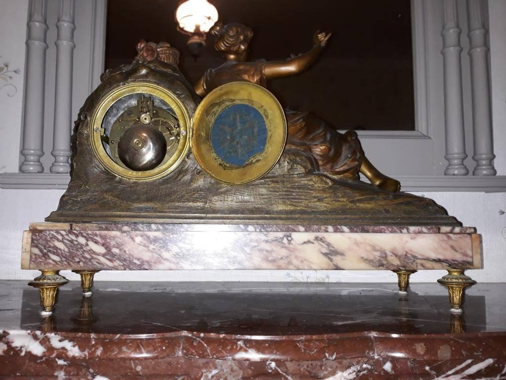 garniture de cheminée pendule et vases   Puces Privées