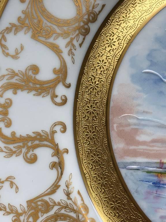 THARAUD LIMOGES - BELLE ASSIETTE DORÉE PORCELAINE DOUBLE DORURE OISEAUX   Puces Privées