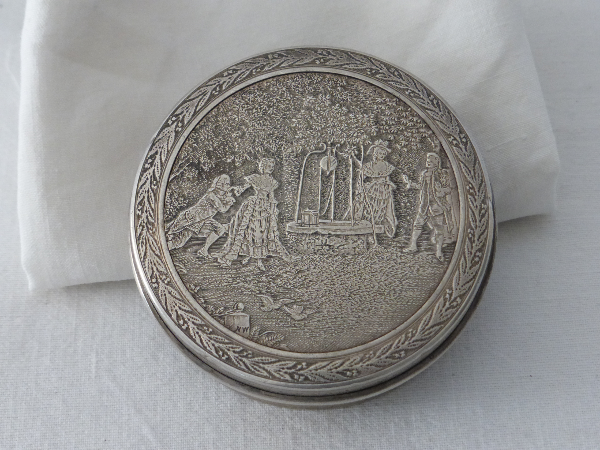 No - 59 -  Boîte ronde en argent poinçon Minerve ., Boîtes, étuis, nécessaires, coffrets, Arts décoratifs | Puces Privées