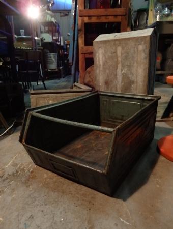 Bac industriel métal SCHAFER KASTEN et TMT   Puces Privées