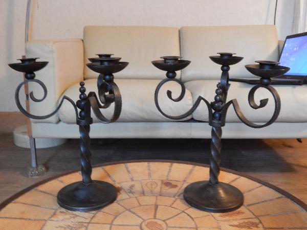 paire de bougeoirs art déco en fer forgé signé CHARLES PIGUET, Bougeoirs ou chandeliers, Arts de la table | Puces Privées