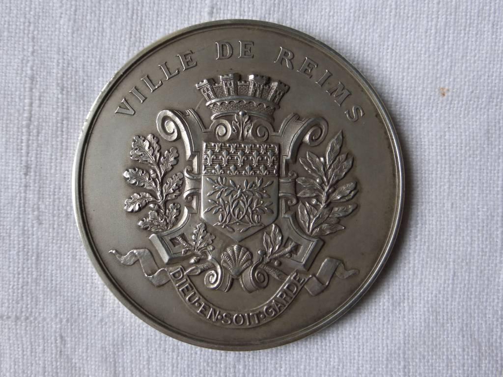No - 72 -  Médaille argent de la ville de Reims  1903 ., Numismatique, Collections   Puces Privées