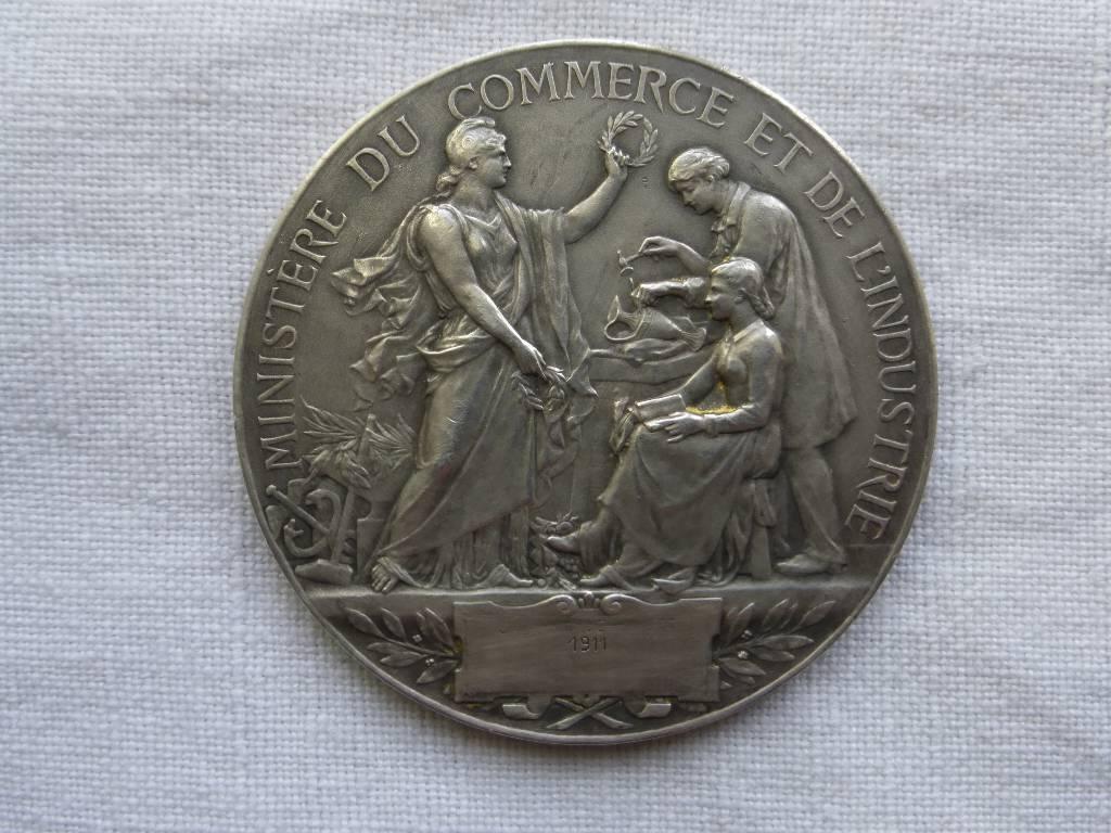 N - 73 -  Médaille argent Ministère du Commerce et de L'industrie par A . Borrel ., Numismatique, Collections | Puces Privées