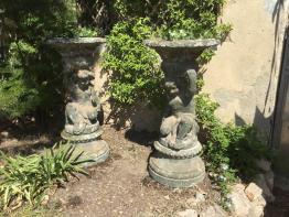 Fontaine de jardin ancienne et antiquité du jardin