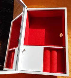 Brocante 85, vitrine Brumes d'Antan, brocante Vendee | Puces Privées