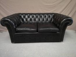 Canapé chesterfield cuir marron antique | Puces Privées