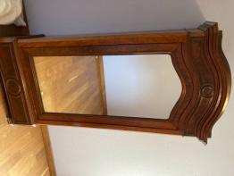 Brocante , vitrine Vitrine de Josette Bassompierre , brocante | Puces Privées