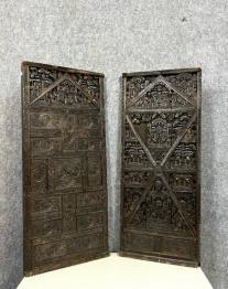 Un ensemble de 18 portes en métal époque 1880. | Puces Privées