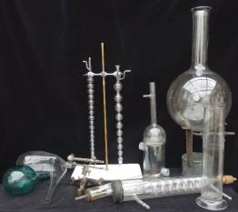 Ancienne balance de pharmacie Testut, Instruments scientifiques et de mesure, Instruments scientifiques et de mesure | Puces Privées