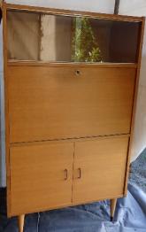 Bureau d'écolier simple avec chaise intégrée | Puces Privées