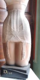 Brocante 77, vitrine ANTIQUITES DECORATION Yvonne Pasquier, brocante Seine-et-Marne   Puces Privées