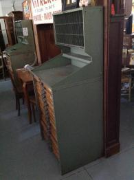 Brocante 71, vitrine Vitrine de francois chauzy, brocante Saone-et-Loire | Puces Privées