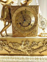 Brocante 75, vitrine antiquité-imelda, brocante Paris | Puces Privées
