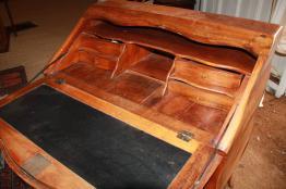 Brocante 42, vitrine Vitrine de Brigitte REMY, brocante Loire | Puces Privées