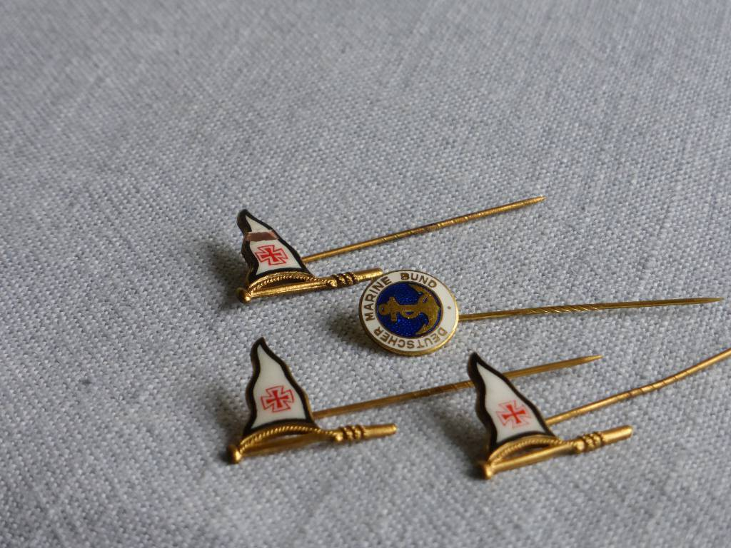 No - 95 -  Trois épingles Deutscher Marine Bund ., Drapeaux, trophés, objets, Militaria | Puces Privées