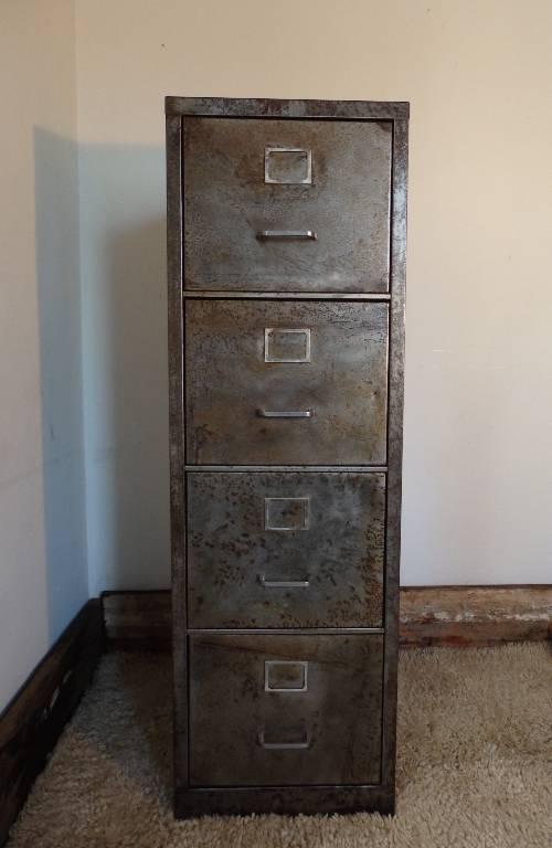 Meuble classeur métal brossé 4 tiroirs années 1950, Mobilier industriel, Mobilier | Puces Privées
