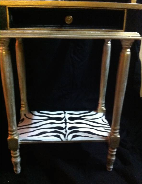 Petit meuble d'appoint relooké, Chevets anciens, Mobilier | Puces Privées