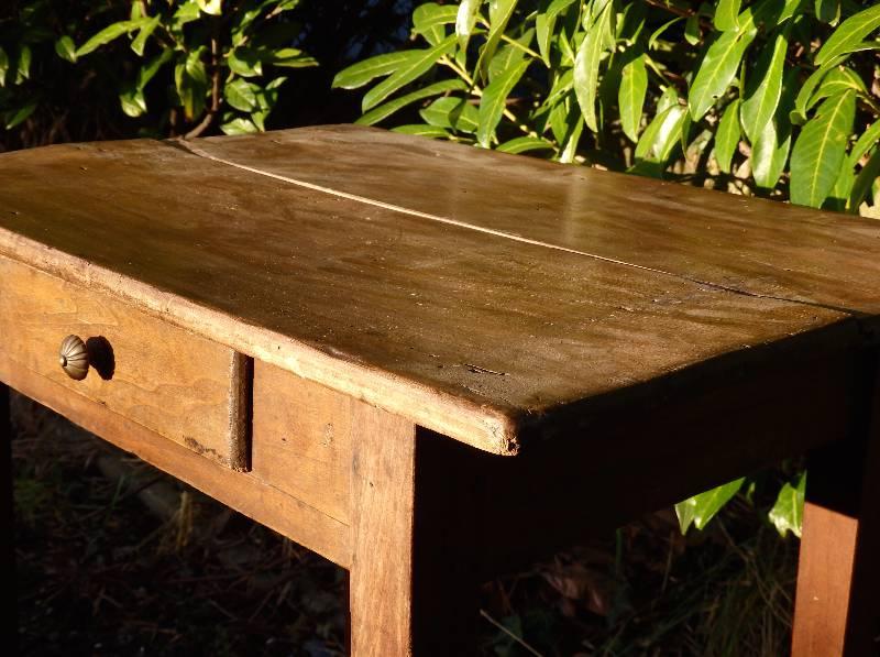 Petit bureau en bois | Puces Privées
