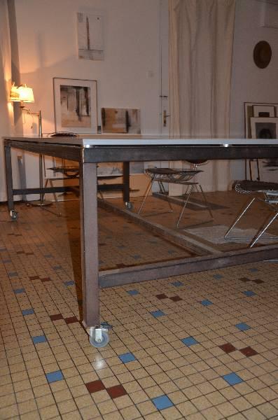 Tableau avant  - gardiste 50 - 60 servi sur plateau formica, Tables, Mobilier | Puces Privées