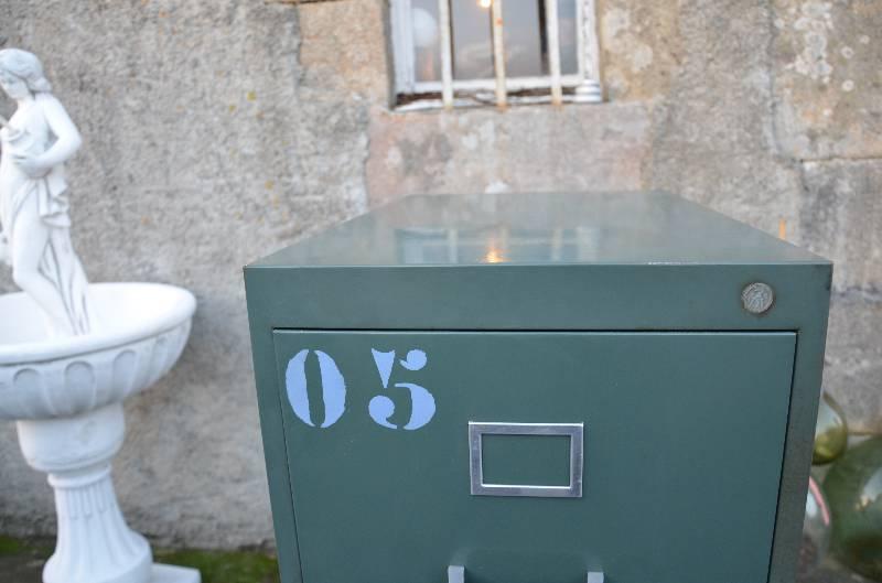 Meuble strafor 4 tiroirs, Mobilier industriel, Mobilier | Puces Privées