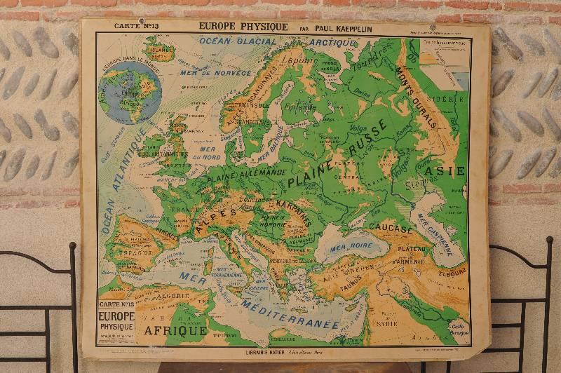 Carte scolaire - Europe physique par Paul Kaeppelin, Dessin, affiche, Publicité | Puces Privées